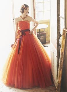 【 秋タイプ 】ウェディング&カラードレスの選び方