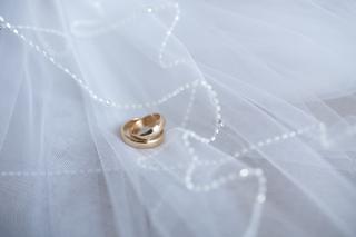 サプライズプロポーズは危険?!イマドキな婚約指輪の選び方。